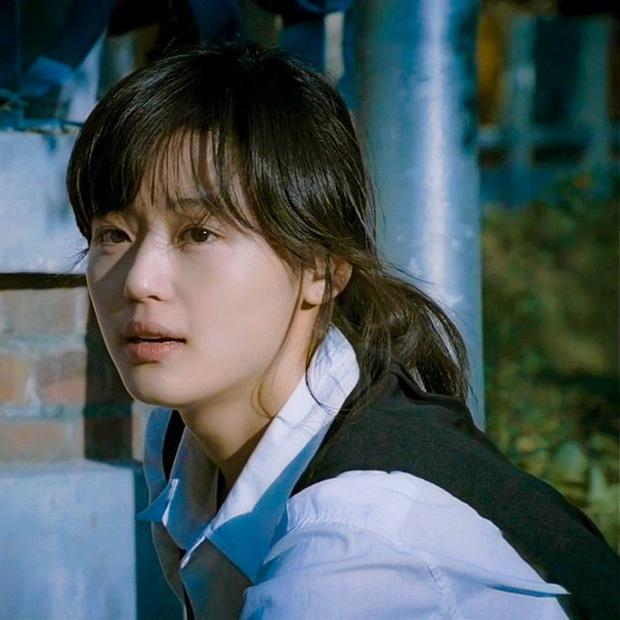 Hành trình nhan sắc của 3 tình đầu quốc dân phim Hàn: Son Ye Jin - Jun Ji Hyun đẹp trường tồn, hậu bối Suzy không hề kém cạnh - Ảnh 14.