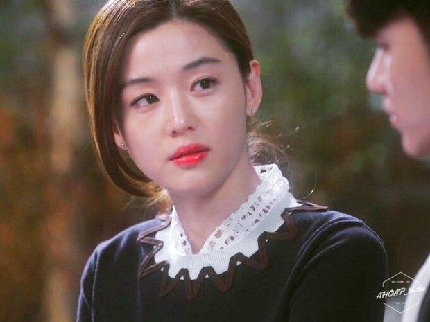Hành trình nhan sắc của 3 tình đầu quốc dân phim Hàn: Son Ye Jin - Jun Ji Hyun đẹp trường tồn, hậu bối Suzy không hề kém cạnh - Ảnh 16.