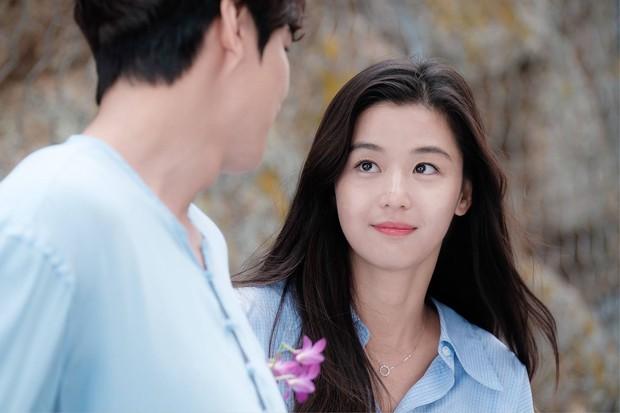 Hành trình nhan sắc của 3 tình đầu quốc dân phim Hàn: Son Ye Jin - Jun Ji Hyun đẹp trường tồn, hậu bối Suzy không hề kém cạnh - Ảnh 18.