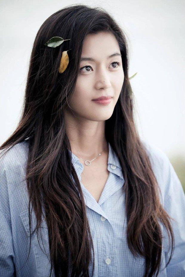 Hành trình nhan sắc của 3 tình đầu quốc dân phim Hàn: Son Ye Jin - Jun Ji Hyun đẹp trường tồn, hậu bối Suzy không hề kém cạnh - Ảnh 19.
