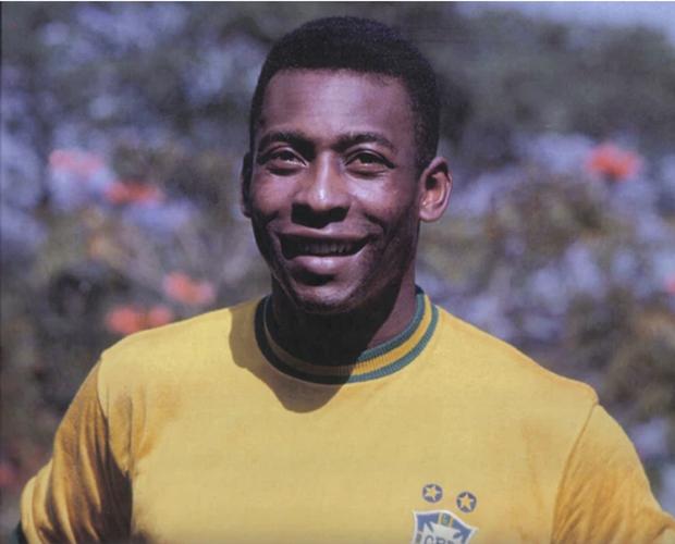 Top 5 cầu thủ có sức ảnh hưởng làm thay đổi lịch sử bóng đá thế giới - Ảnh 2.