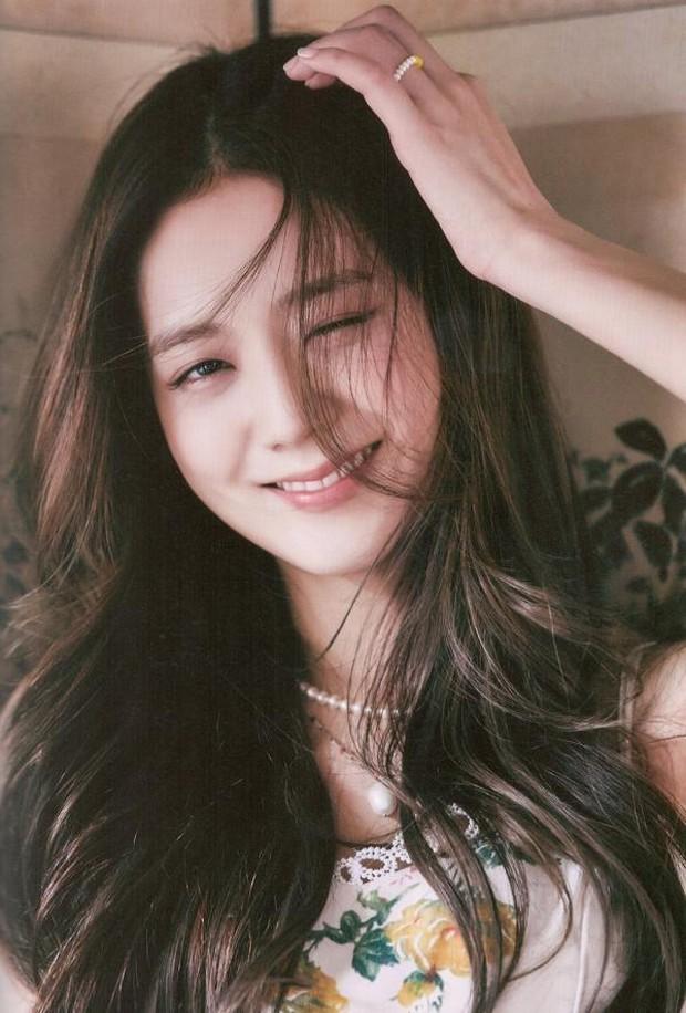 Twist cực mạnh: Đang hóng Lisa debut thì lại có hint Jisoo ra nhạc solo, còn kết hợp với nhà sản xuất của BTS? - Ảnh 3.
