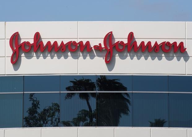 Johnson & Johnson thông báo thu hồi 5 dòng kem chống nắng chứa chất gây ung thư, đều của Neutrogena và Aveeno - Ảnh 3.