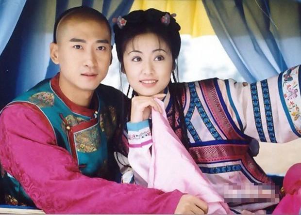 Nhĩ Khang (Hoàn Châu Cách Cách): Toang cả sự nghiệp vì Lâm Tâm Như, lật mặt sau 20 năm chịu oan và giờ thành đại gia trồng lúa - Ảnh 3.