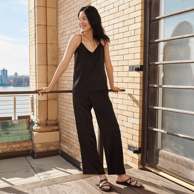 List đồ hè siêu xinh đang có giá sale cực tốt: Áo UNIQLO từ 149K, áo Zara 299K, quần jeans Mango chỉ 399K - Ảnh 1.