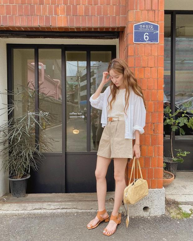 Lưu dần những gợi ý mặc đẹp từ gái Hàn để hết dịch không phải lo không có gì để mặc nữa - Ảnh 3.