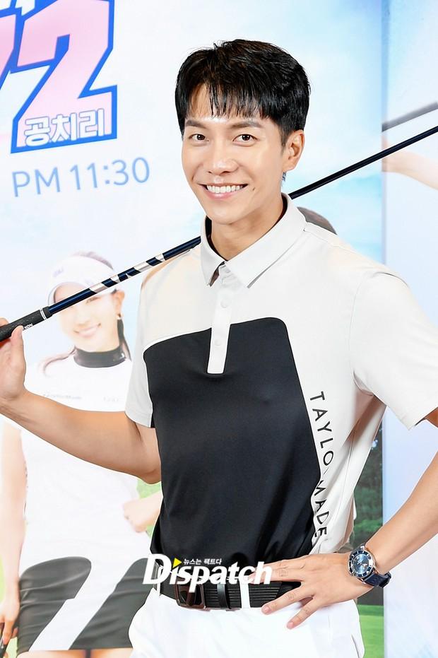 Lee Seung Gi lần đầu lộ diện ở sự kiện sau tin hẹn hò con gái Mama Chuê, soái là vậy nhưng zoom kỹ thì mất điểm rõ ràng - Ảnh 4.