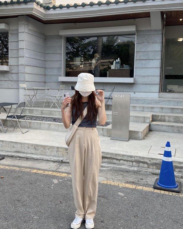 Lưu dần những gợi ý mặc đẹp từ gái Hàn để hết dịch không phải lo không có gì để mặc nữa - Ảnh 9.