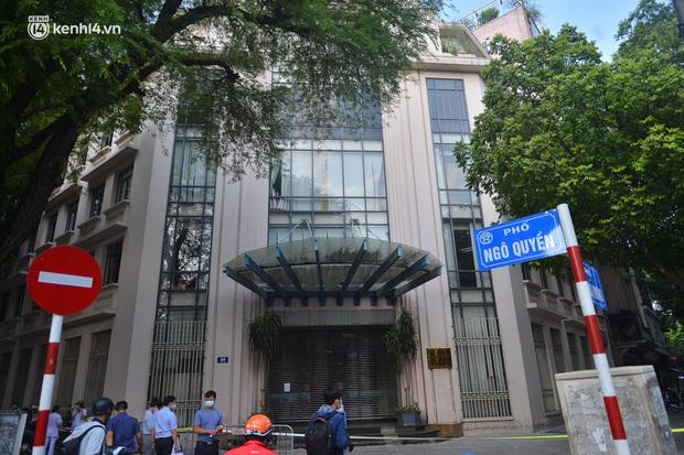 Hà Nội: Phong tỏa tạm thời trụ sở một Cục của Bộ Công Thương sau khi ca mắc Covid-19 từng đến chuyển công văn - Ảnh 2.