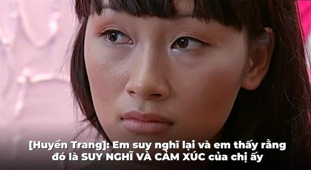 Vbiz từng xôn xao clip đầy drama: Đàm Thu Trang nổi nóng giật vali Diệp Lâm Anh, Phạm Hương im thin thít ngồi bên - Ảnh 3.