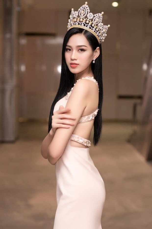 Công bố 5 bản vẽ váy dạ hội cho Hoa hậu Đỗ Thị Hà diện trong Chung kết Miss World, dự sẽ bùng nổ đấu trường quốc tế đây! - Ảnh 10.