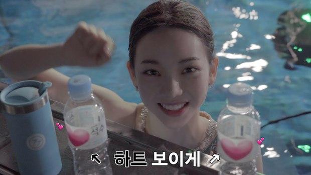 Idol thị phi Karina (aespa): Từ bị chê gương mặt cứng đơ đến danh hiệu nữ thần AI với vẻ đẹp siêu thực - Ảnh 28.