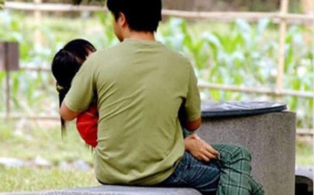 Thanh niên nhiễm HIV 2 lần dụ dỗ quan hệ tình dục với người yêu nhí 15 tuổi - Ảnh 1.