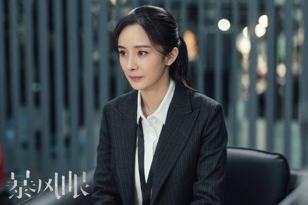 Top 8 diễn viên Hoa ngữ có chỉ số cao nhất nửa đầu 2021: Hạng 1 cách quá xa, Nhiệt Ba góp mặt còn Triệu Lệ Dĩnh đâu rồi? - Ảnh 2.