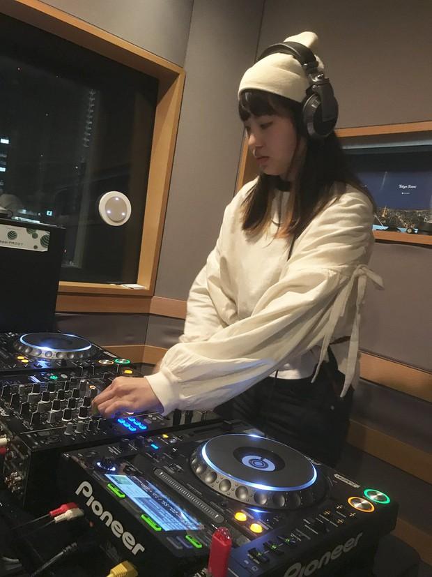 Đây là YonYon - Cô gái ôm tham vọng dạy lại nước Nhật cách quẩy đúng điệu - Ảnh 4.