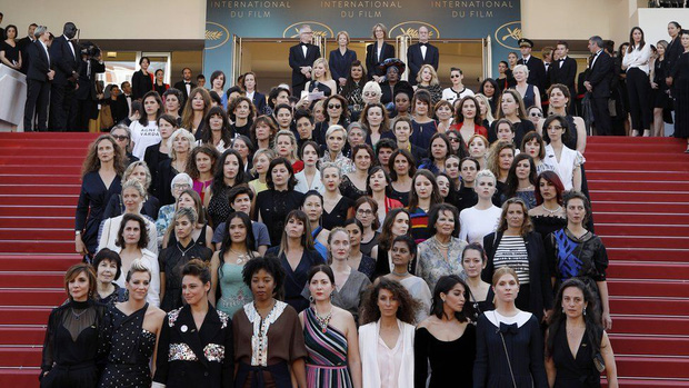 Bóc trần LHP Cannes: Gọi gái mại dâm còn dễ hơn pizza, vụ 82 sao nữ biểu tình trên thảm đỏ và trùm nghiện sex vén màn mặt tối - Ảnh 6.