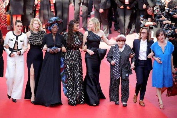 Bóc trần LHP Cannes: Gọi gái mại dâm còn dễ hơn pizza, vụ 82 sao nữ biểu tình trên thảm đỏ và trùm nghiện sex vén màn mặt tối - Ảnh 7.