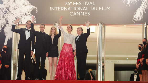 Bóc trần LHP Cannes: Gọi gái mại dâm còn dễ hơn pizza, vụ 82 sao nữ biểu tình trên thảm đỏ và trùm nghiện sex vén màn mặt tối - Ảnh 8.