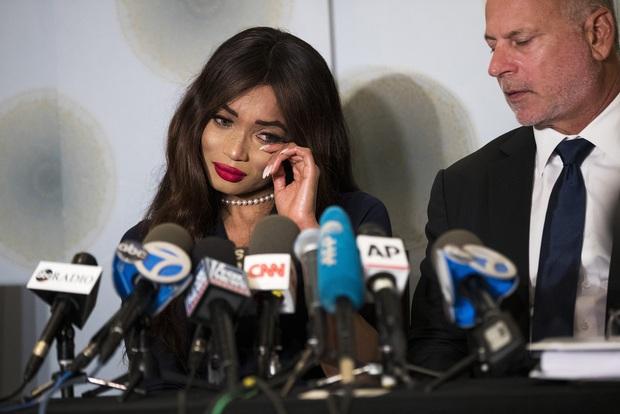 Bóc trần LHP Cannes: Gọi gái mại dâm còn dễ hơn pizza, vụ 82 sao nữ biểu tình trên thảm đỏ và trùm nghiện sex vén màn mặt tối - Ảnh 10.