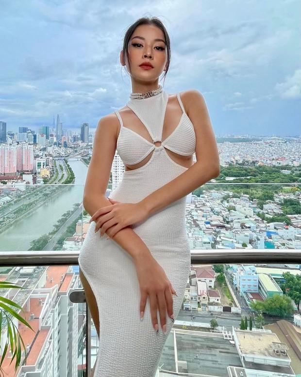 Đồ local brand sao Việt vừa diện: Đủ váy áo từ sexy đến lady chanh sả chị em nhất định chấm được vài bộ - Ảnh 5.