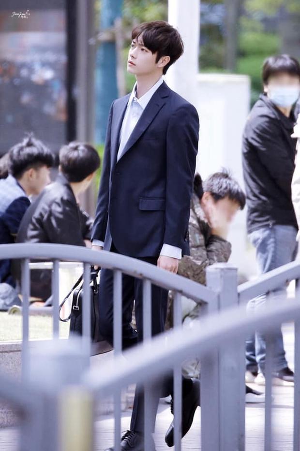 Hứa Khải lần đầu để tóc nấm như trai Hàn trên phim, trẻ đẹp thơm bơ nhưng fan sợ anh thành con Dương Mịch mất! - Ảnh 5.