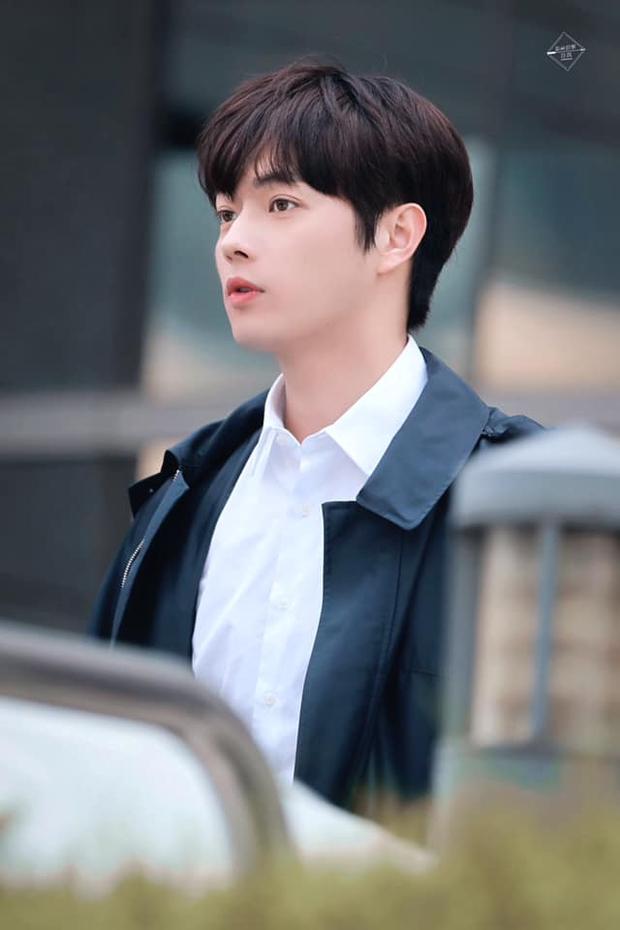 Hứa Khải lần đầu để tóc nấm như trai Hàn trên phim, trẻ đẹp thơm bơ nhưng fan sợ anh thành con Dương Mịch mất! - Ảnh 8.