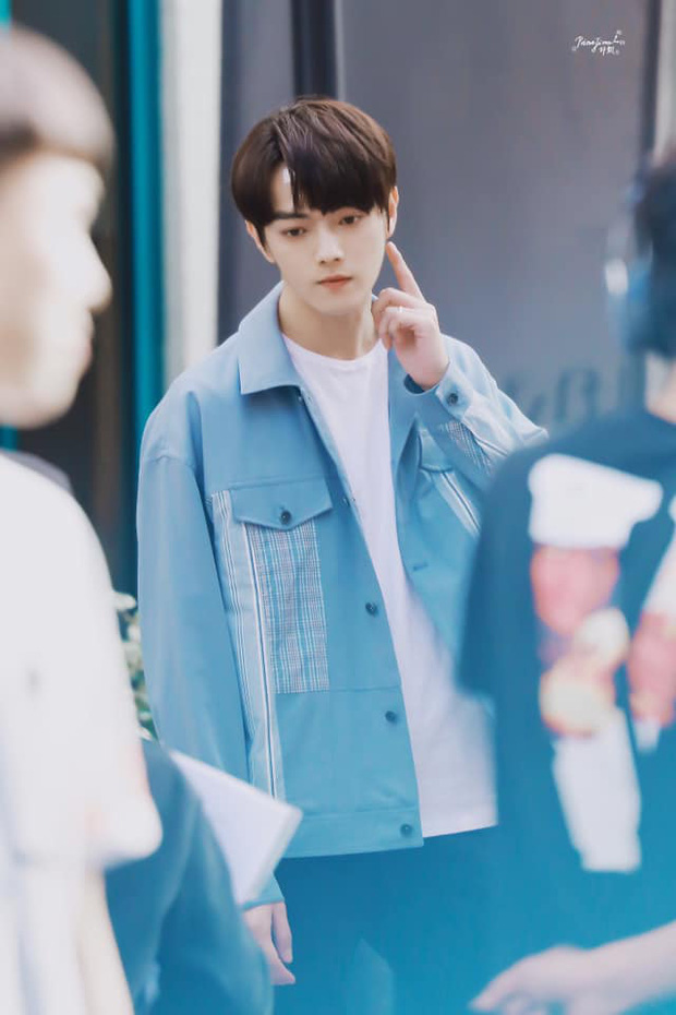 Hứa Khải lần đầu để tóc nấm như trai Hàn trên phim, trẻ đẹp thơm bơ nhưng fan sợ anh thành con Dương Mịch mất! - Ảnh 4.