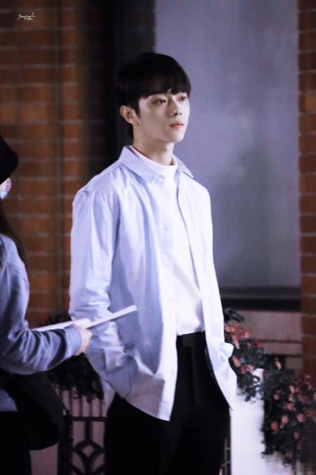 Hứa Khải lần đầu để tóc nấm như trai Hàn trên phim, trẻ đẹp thơm bơ nhưng fan sợ anh thành con Dương Mịch mất! - Ảnh 3.