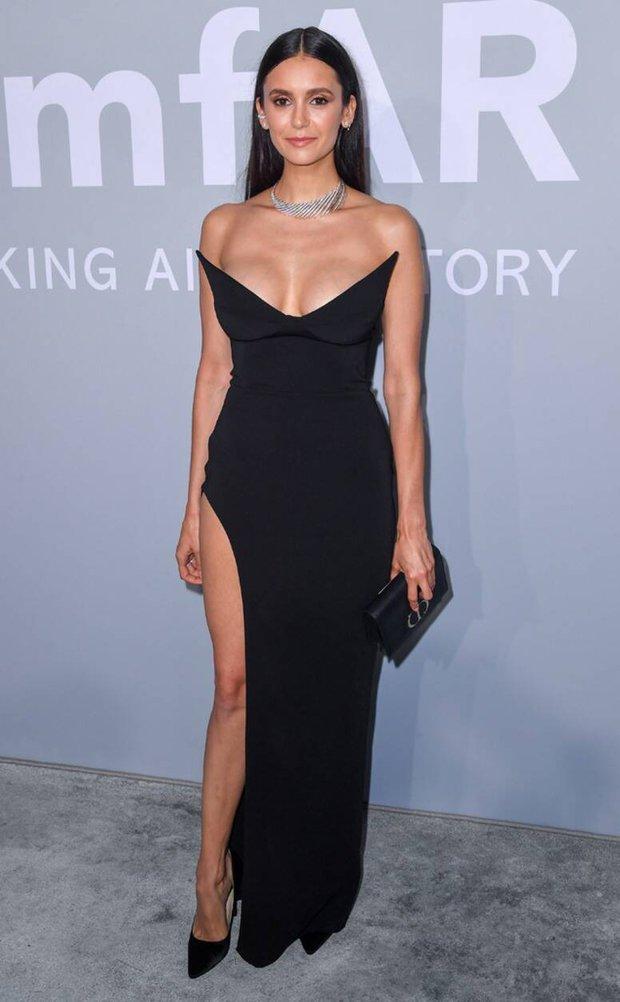 """Gala tiệc hot nhất LHP Cannes: Tình cũ Brooklyn và thiên thần Victoria's Secret bị minh tinh U65 """"chặt"""" đẹp, Bella Thorne đã loè loẹt còn hở ngộp thở - Ảnh 26."""