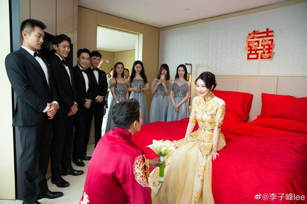 Đám cưới hot nhất Cbiz hôm nay: Dạ Hoa từng cắm sừng Trương Thiên Ái tổ chức hôn lễ sau 1 tháng cầu hôn bạn gái - Ảnh 6.