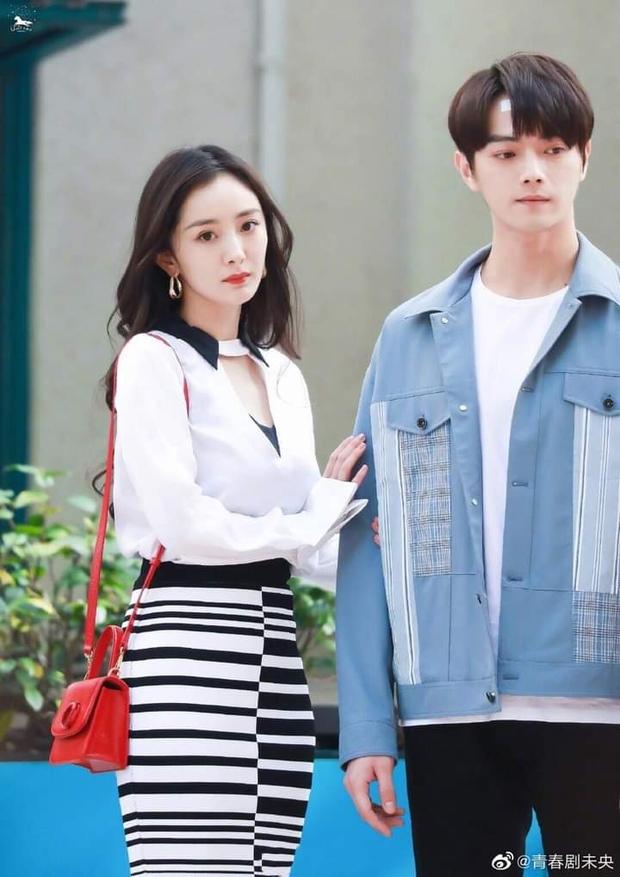 Hứa Khải lần đầu để tóc nấm như trai Hàn trên phim, trẻ đẹp thơm bơ nhưng fan sợ anh thành con Dương Mịch mất! - Ảnh 12.