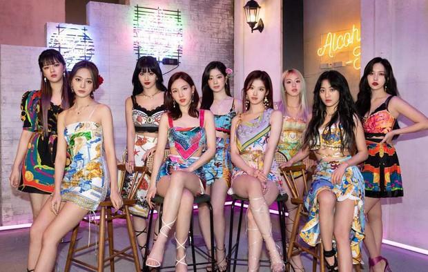 Hú hồn khi biết số năm Jihyo ở JYP còn nhiều hơn tuổi của các thanh niên Gen Z, suýt không phải là thành viên của TWICE? - Ảnh 5.