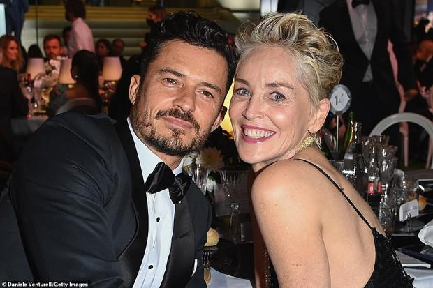 """Gala tiệc hot nhất LHP Cannes: Tình cũ Brooklyn và thiên thần Victoria's Secret bị minh tinh U65 """"chặt"""" đẹp, Bella Thorne đã loè loẹt còn hở ngộp thở - Ảnh 33."""