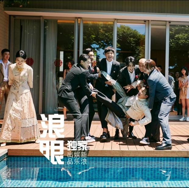 Hôn lễ gây sốt cả Cbiz: Mỹ nam Sở Kiều Truyện làm đám cưới, dàn phù rể lu mờ 2 nhân vật chính vì điển trai ngút ngàn - Ảnh 11.