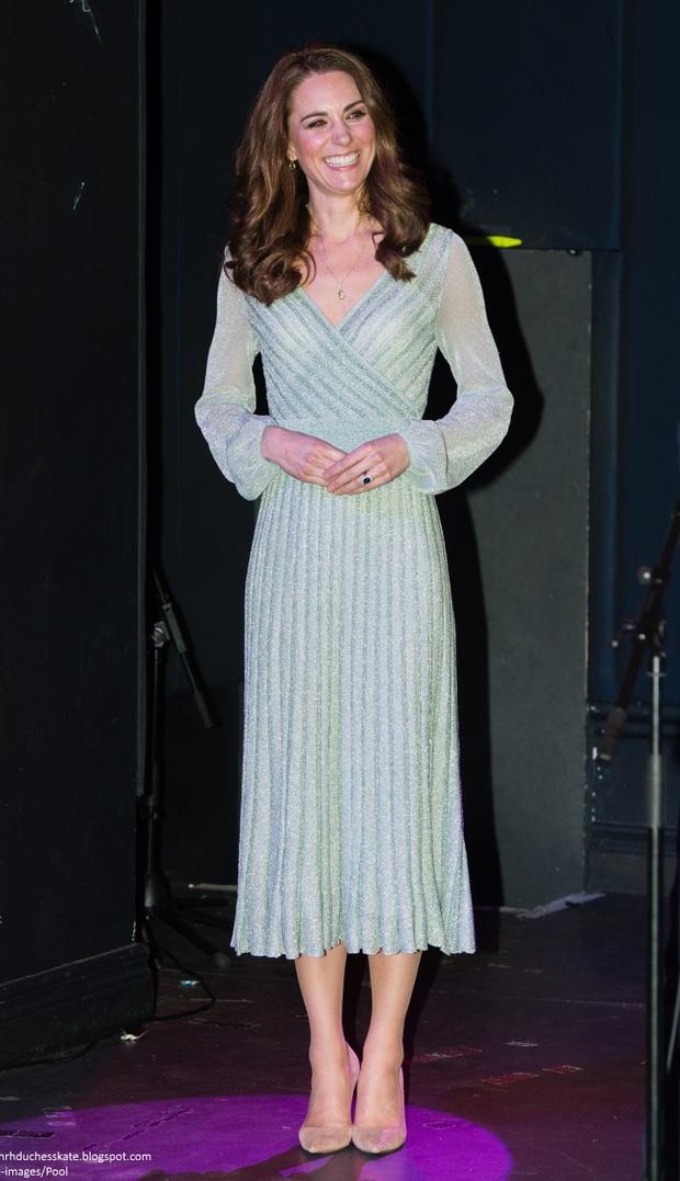 Công nương Kate lên đồ thì chỉ có đỉnh, ngồi ngắm mà thấy xịn hơn cả người mẫu chuyên nghiệp - Ảnh 9.