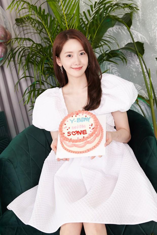 Nghiện mặc váy/áo babydoll, Jennie cũng tới ngày đụng độ với tiền bối đình đám - Ảnh 4.