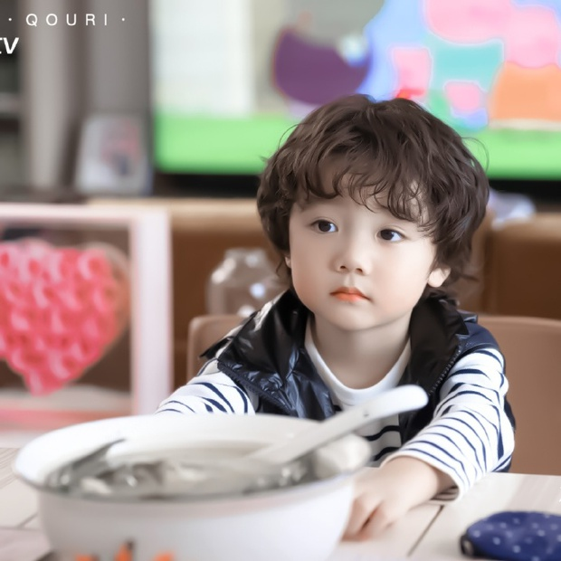 Fan Việt phát rồ vì sao nhí đáng yêu ở phim ngôn tình Hạ Tiên Sinh, thu về 73 nghìn like với hai má bánh bao trắng mềm - Ảnh 5.