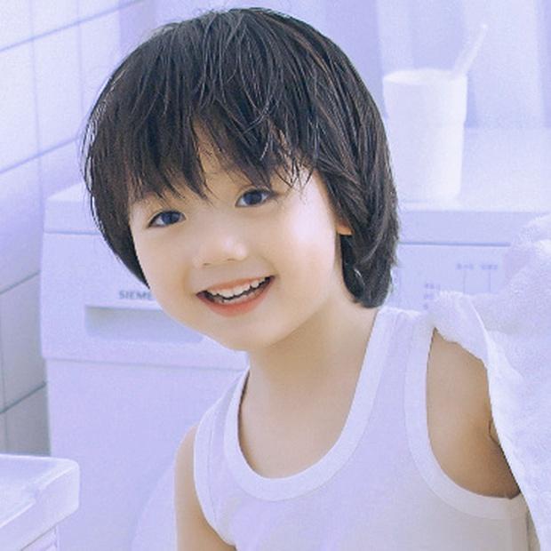 Fan Việt phát rồ vì sao nhí đáng yêu ở phim ngôn tình Hạ Tiên Sinh, thu về 73 nghìn like với hai má bánh bao trắng mềm - Ảnh 12.