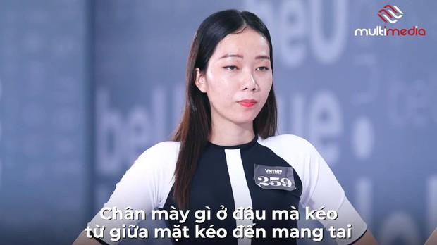 Những lần nhói đau của các cô gái khi bị GK Nam Trung bôi chân mày và tháo mi giả, make-up quan trọng đến vậy sao? - Ảnh 2.