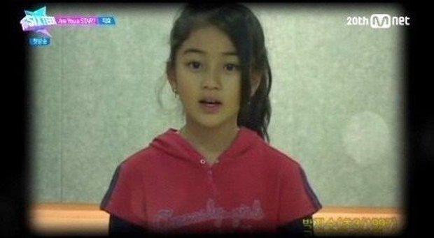 Hú hồn khi biết số năm Jihyo ở JYP còn nhiều hơn tuổi của các thanh niên Gen Z, suýt không phải là thành viên của TWICE? - Ảnh 3.