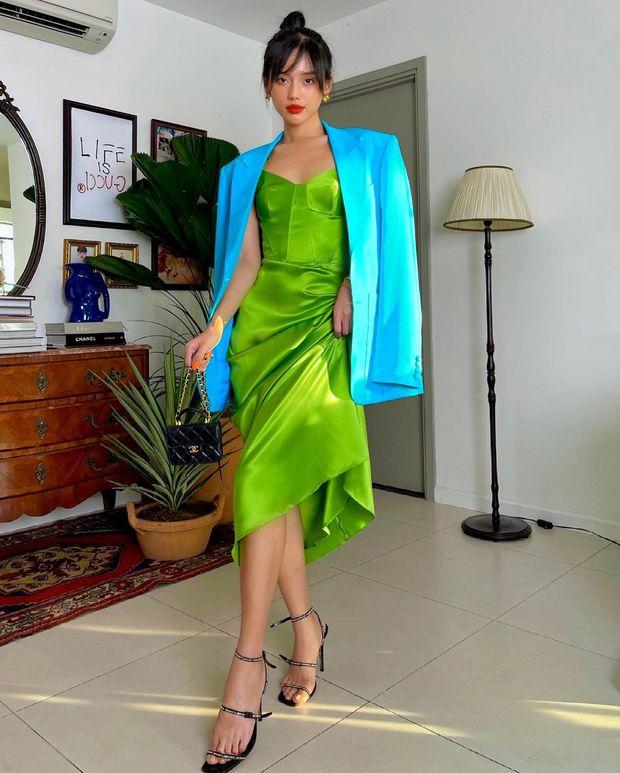 Đồ local brand sao Việt vừa diện: Đủ váy áo từ sexy đến lady chanh sả chị em nhất định chấm được vài bộ - Ảnh 13.