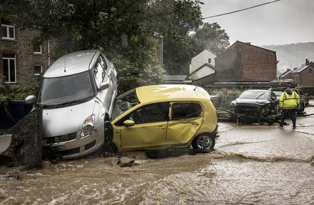 Số nạn nhân tử vong trong trận mưa lũ lịch sử ở Đức và Bỉ tăng lên 170 người - Ảnh 1.