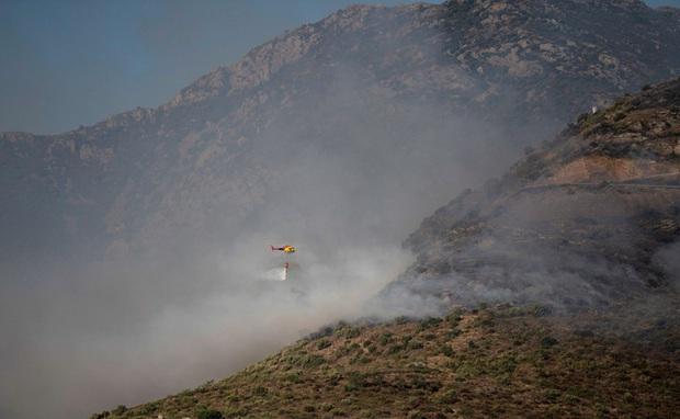 Tây Ban Nha: Cháy rừng dữ dội tại vườn quốc gia Cap de Creus, hàng trăm người phải sơ tán - Ảnh 1.