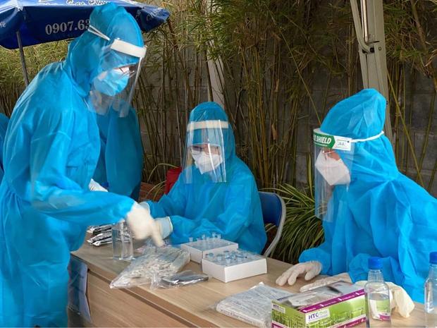 Bộ trưởng Bộ Y tế: Chuẩn bị sẵn sàng cho kịch bản xấu và xấu hơn - Ảnh 2.