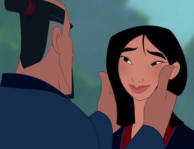 6 sai lầm Disney nhắm mắt cho qua: Elsa đáng lẽ đã chết, thảm khốc nhất chính là sự dã man của Hercules với vợ con - Ảnh 2.