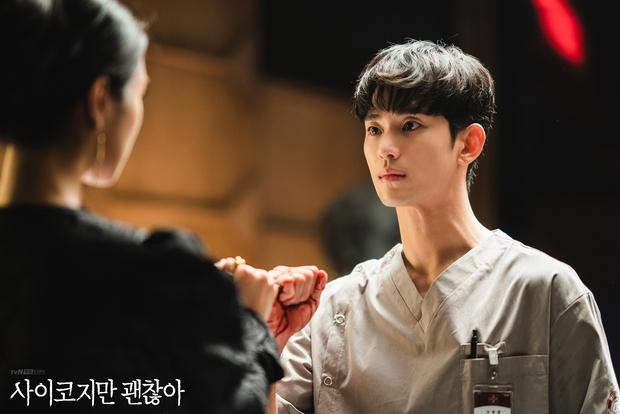 4 soái ca ngành y gây sốt phim Hàn: Vừa đẹp người lại tốt nết thì không ai qua được Đức Phật Hospital Playlist - Ảnh 4.