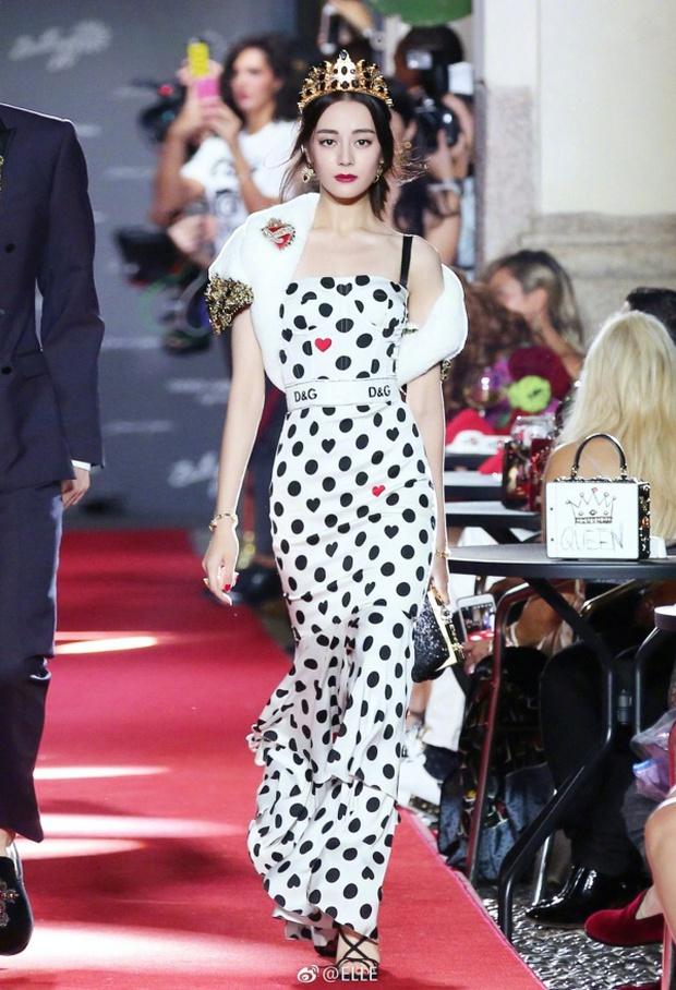 Phạm Băng Băng chặt chém Cannes, Nhiệt Ba thả dáng xuất thần tại Milan, Cô Vy nhanh đi đi để dàn nữ thần Cbiz toả sáng - Ảnh 17.