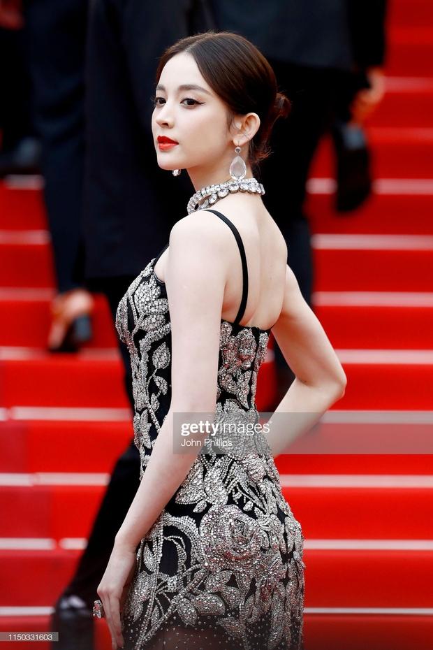 Phạm Băng Băng chặt chém Cannes, Nhiệt Ba thả dáng xuất thần tại Milan, Cô Vy nhanh đi đi để dàn nữ thần Cbiz toả sáng - Ảnh 23.