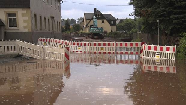 Số nạn nhân tử vong trong trận mưa lũ lịch sử ở Đức và Bỉ tăng lên 170 người - Ảnh 14.
