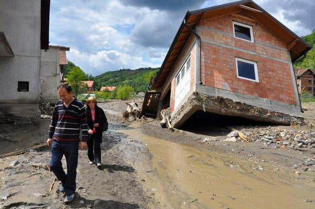 Những trận lũ kinh hoàng trong thế kỷ 21 từng xảy ra với châu Âu hoa lệ: Hàng thập kỷ bị lũ lụt tàn phá tang thương tại lục địa già - Ảnh 2.